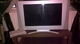beko 26 inch tv and Freeview box