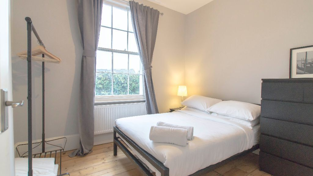** SHORT LETS ** 1 Bed Apartment In Kings Cross | Islington