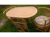 Conservatory/Wicker Seat + Table