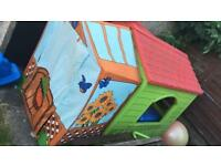 Kids Outdoor Wendy House