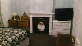 Double Bedroom Kingswood £490PCM No deposit needed all bills included Avail Jan- Couples Welcome
