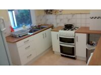 All bills included. Roomavailable in shared Postgrad / Professional house in Nether Edge