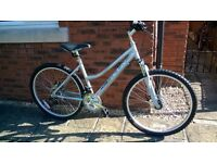 "Raleigh Designed Activ Mayon Ladies Mountain Bike - 17"" HT Alu Frame/Dual Disc/18 spd - RRP £225"