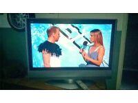 "32"" Panasonic tv with FREE dvd player"