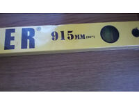 Builder's Level - 36 inches/915mm