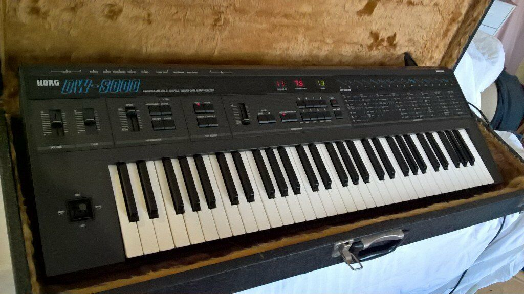 Korg DW8000 Vintage 80s Fat Analog Poly Synth Fully Working with MIDI, Dream Theatre Synthesiser