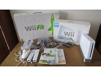 Wii CONSOLE BUNDLE + Wii FIT BOARD • Wii FIT • Wii FIT PLUS • Wii SPORTS