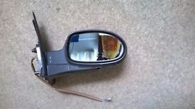 Citroen C5 2.0 Hdi LX drivers offside door mirror 2001 to 2004 in Black. Reduced to clear £12