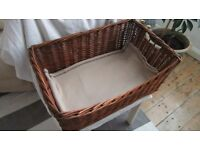 Dog/puppy wicker basket - very good condition