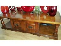 Canadian pine coffe table with storage