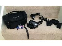 Camcorder HD Canon Vixia HF200 and additional Directional Stereo Mic DM-100