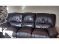 Can deliver 3 seater Harvey's recliner sofa very good condition