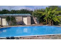 Four bedroomed French house with swimming pool in the Anjou wine region of France