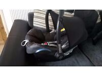 NICE MAXI COSI CAR SEAT/ CARRIER WITH HEAD AND BACK SUPPORT