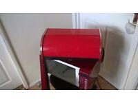 Russel Hobb Red microvave & Brabantia bread bin
