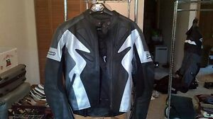 Joe Rocket womens XL leather jacket!!!!!!