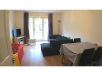 Charming Two Double Bedrooms House with Parking & Private Garden
