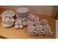 Full set of Hedge Rose tableware