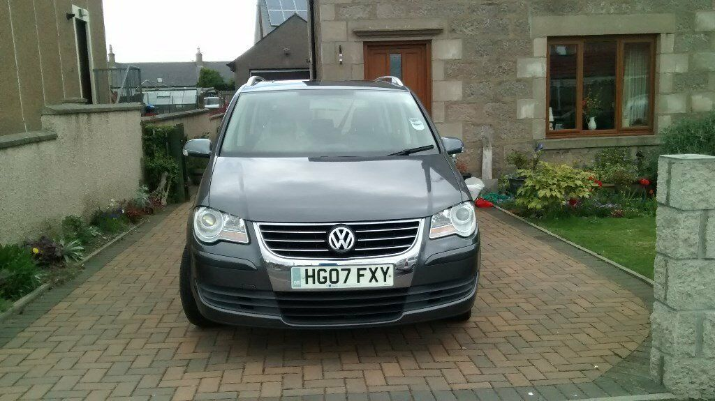 2007 VW Touran 7-seater 2.0 tdi ES. Top of the range. New MOT. £3100 ono