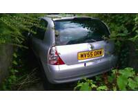 2005 Renault clio 1.5 dci good engine and box breaking