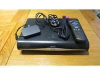 SKY + HD Box - excellent condition (all cables) + SKY wifi connector included.