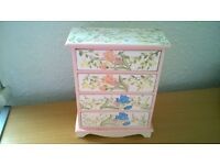 Chest of drawers for trinkets, jewellery etc