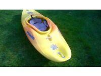 kayak piranha + new neoprene cover.