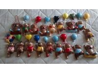 Pottery bears with ballons