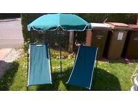 A LOVELY SET OF 2 SUN LOUNGERS WITH UMBRELLA