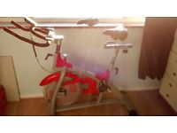 Spinning bike, barely used - as new!!!