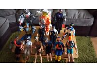 LARGE COLLECTION OF ACTION MEN AND ACCESSORIES