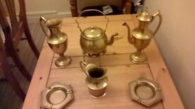 BRASS ORNAMENTS.DECORATIVE TABLE PIECES.