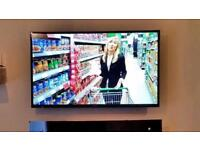 """32"""" Samsung TV LED full HD freeview built in"""