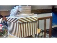 Wedding/dress hat with box
