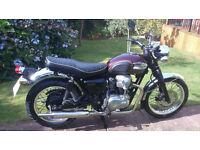 Kawasaki W650 - Original Triumph Bonneville look-alike (but oiltight/reliable) - excellent condition