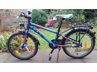 Cube Street boys bike bicycle for six to nine year old boy.
