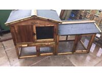 Rabbit hutch for sale just been cleaned out good condition could do with a bit of new felt easy fix