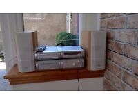 TECHNICS COMPONENT MINI SYSTEM SC-HD515MD WITH SPEAKERS & REMOTE