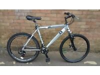 MANS DIAMOND BACK LIGHT WEIGHT MOUNTAIN BIKE