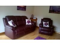 NEW Leather 3-1-1 Suite, sofa & 2 reclining chairs only few months old £649 O.N.O