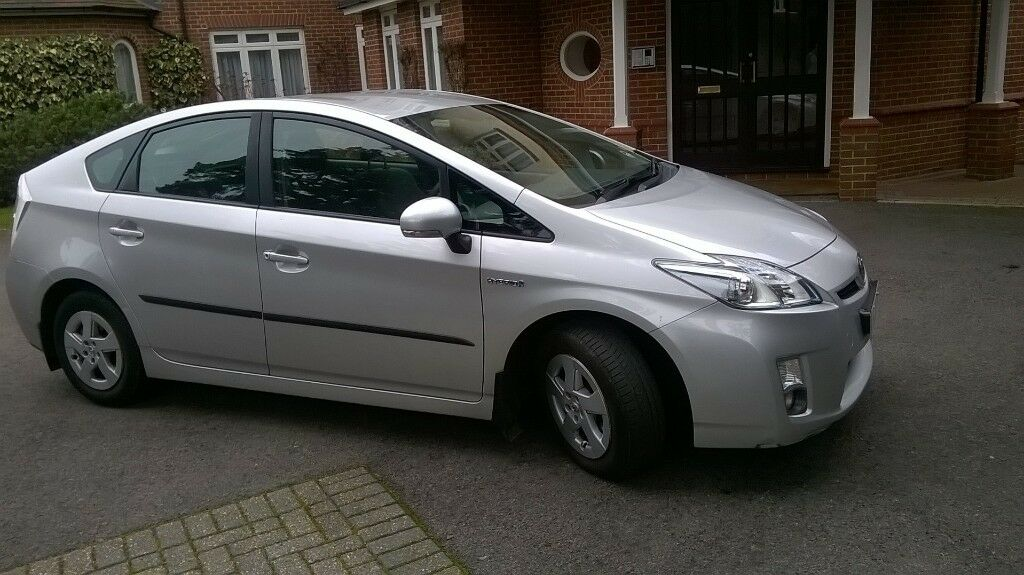 2010 Toyota Prius Hybrid Family Car Low Mileage Garaged Full Service History One Previous Owner
