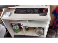 White wooden work desk for sale: BARGAIN £5 (COLLECTION ONLY)