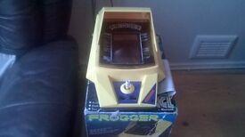 6 x Retro arcade consoles (1980's)