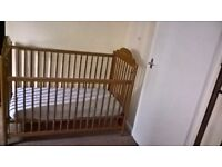 Lovely Mamas Papas Cot