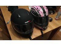 2 x motorcycle helmets cheap and in good condition