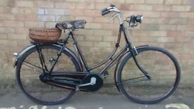 LADIES VINTAGE 1931 RALEIGH BICYCLE WITH CARBIDE GAS LIGHTS