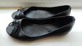black flat sandals