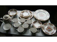 "6 place setting (40 piece) Colclough ""Royale"" Dinner Service"