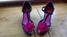 Ldies Joe Brown Court Shoes, Size 5