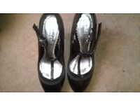 Ladies Redherring stiletto shoes black patent leather size 4